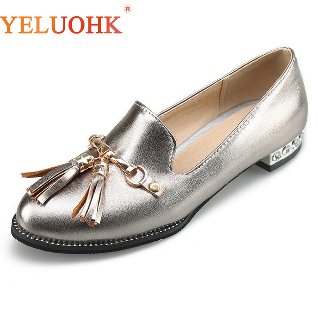 e57faa85a0ec3 34-43 Loafers Women Silver 2018 Autumn Flat Shoes Women Slip On Moccasins  Women Shoes Flats Fringe Big Size Khaki