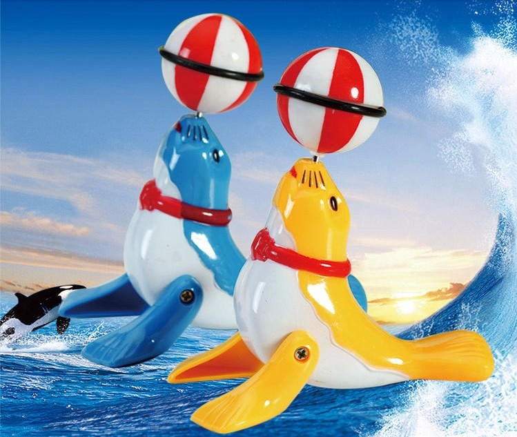 1 Piece Classic Toys Clockwork Toy Seals Sea Lions Walk Head 360 Degrees Top Ball Rotate Wind Up Toys For Children Baby
