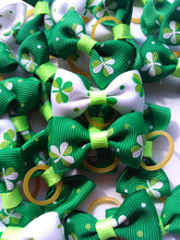 100PC/Lot St Patrick's Day Dog Hair Bows Clover Pet Dog Grooming Bows Holiday Pet Accessories