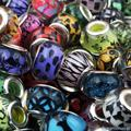 50 Pçs/lote Color Mix DIY Rodada Resina Plástica Contas Encantos Grande Buraco Solta Disponível para Jóias Europeu Pandora Pulseira