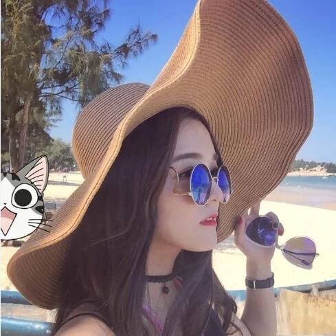 Mujeres summer beach sun sombrero de paja de ala grande sombrero tapa en  Sombreros de Sun de Ropa y Accesorios de las mujeres f9412e7618d