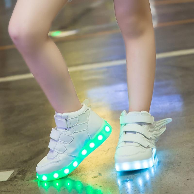 UncleJerry enfants allument des chaussures avec aile enfants chaussures LED garçons filles brillant lumineux baskets USB charge garçon chaussures de mode