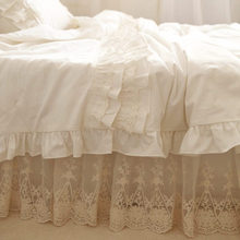 Top European style bedding set ruffle cake layer duvet cover quilt cover elegant lace embroidered bedspread