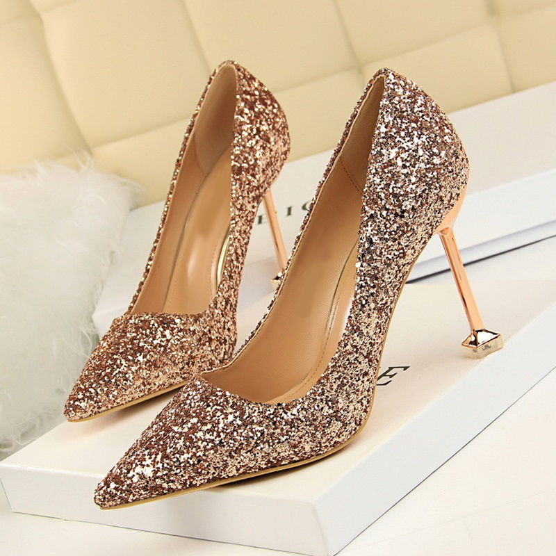 Women Pointed Toe Pumps Blade Metal High Heels Stiletto Heeled 8 cm Up Sequined Cloth Pumps Slip-on Wedding Party Shoes B122