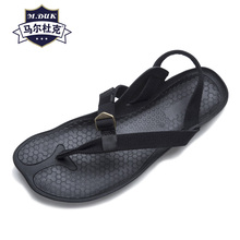 купить Summer men's Roman sandals men breathable fashion Sneakers Men Slippers Flip Flops casual Shoes beach outdoor anti-skid rivets по цене 3761.78 рублей