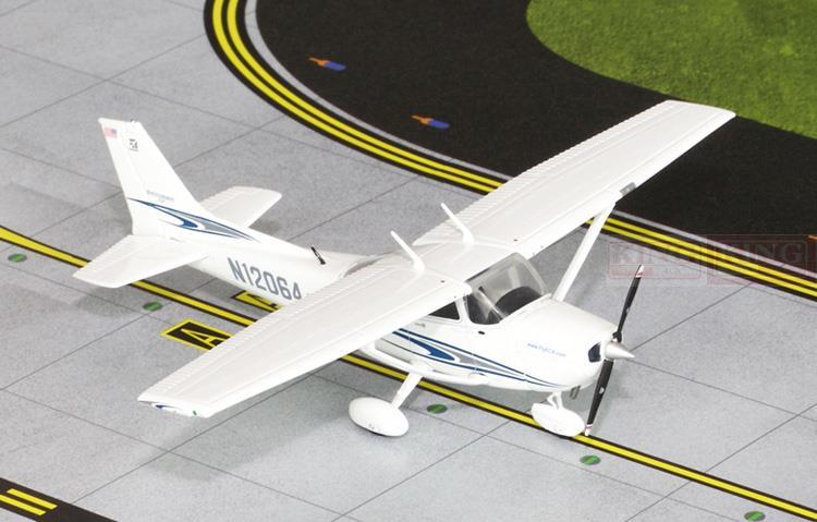 GGCES003 GeminiJets Cessna 172 1: 72 N12064เชิงพาณิชย์