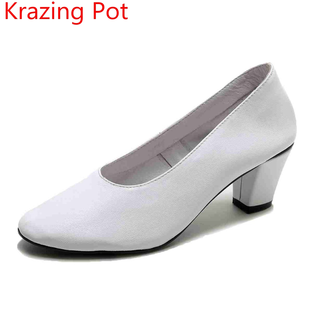 New Spring Fashion Genuine Leather Shallow Round Toe Med Heel Women Pumps Sweet Thick Heel Grandma Shoes Sexy Lady Glove Shoes L fashion brand slip on shallow round toe crystal bowtie med diamond thick heels women pumps sweet office lady runway shoes l15