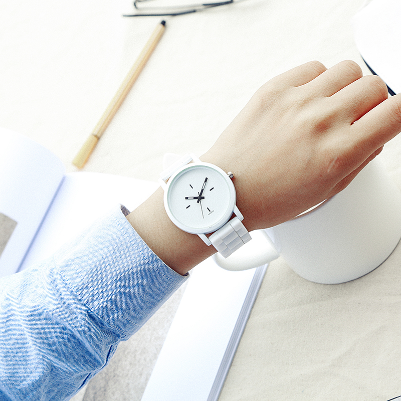 2017 New Fashion Women Watch White And Black Jelly Silicone Watches Simple Style Wristwatch Casual Quartz Watch Relogio Feminino
