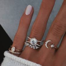 5 Pcs/Set Charm Moon Stars Crown Crystal Rings Set Gem Geometry Crystal Irregular Gold Ring Set for Women Fashion Jewelry Gifts stylish 5 pcs set faux gem embossed rose rings for women
