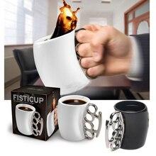 Diseño de la novedad Puño Taza de Latón Mango Del Plumero de Nudillo Taza de Café Taza de Leche Taza de Cerámica Creativa