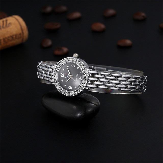2017 New Luxury Silver Bracelet Watch SOXY Brand Watch Women Fashion Rhinestone Watch Ladies Watches relogio feminino relojes