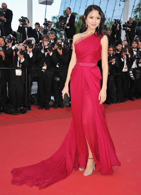 f54ee2a0722 Hot Sale Red Lace One Shoulder Red Carpet Dress High Side Silt Sexy Evening  Gowns Celebrity Dresses 2017