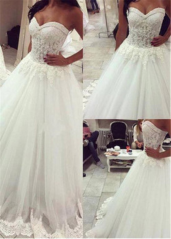 Wonderful Tulle Sweetheart Neckline Wedding Dresses With Lace Appliques Ball Gowns See Through Bridal Gowns