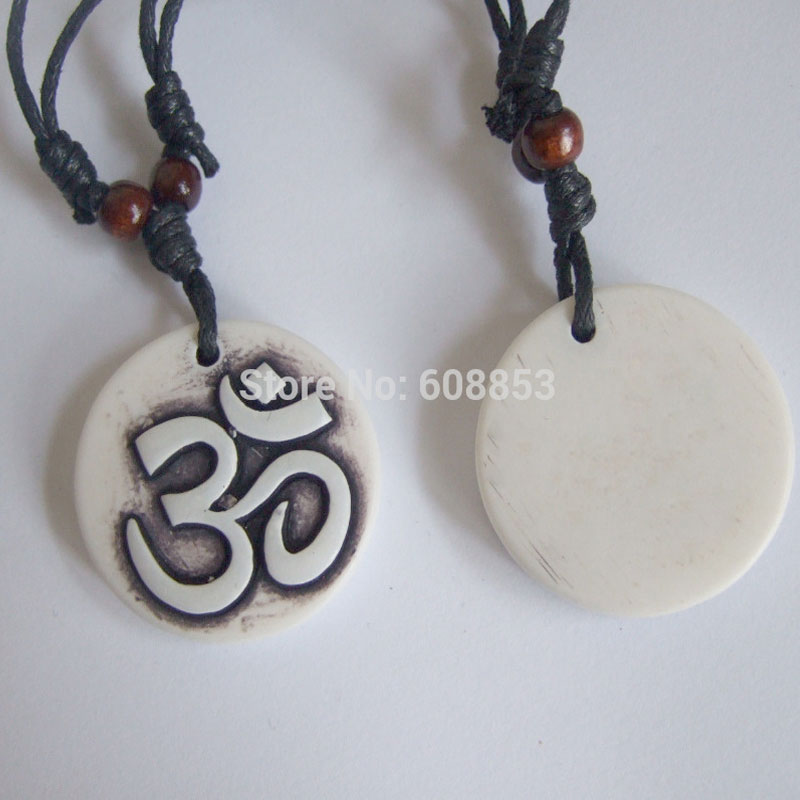 A Faux Yak Bone Resin Carved OM OHM AUM Symbol Yoga Pendant Necklace Adjustable 36mm