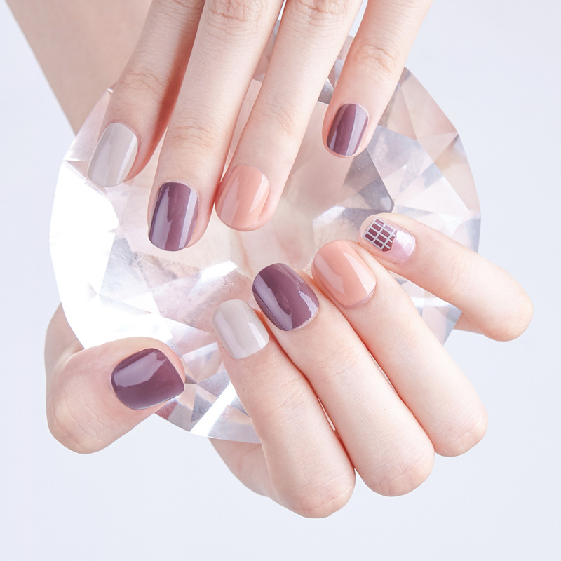 Simple 24pcs/set fashion chocolate house design finished fake nails short size full nail tips Patch lady art tool bride