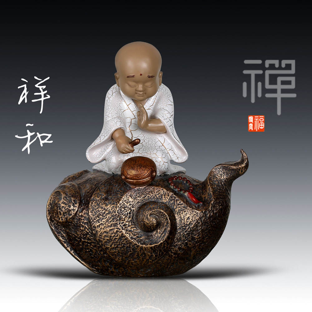 Chinese manufacturers of new style of Zen monks crafts creative home furnishings small desk ornaments peaceful