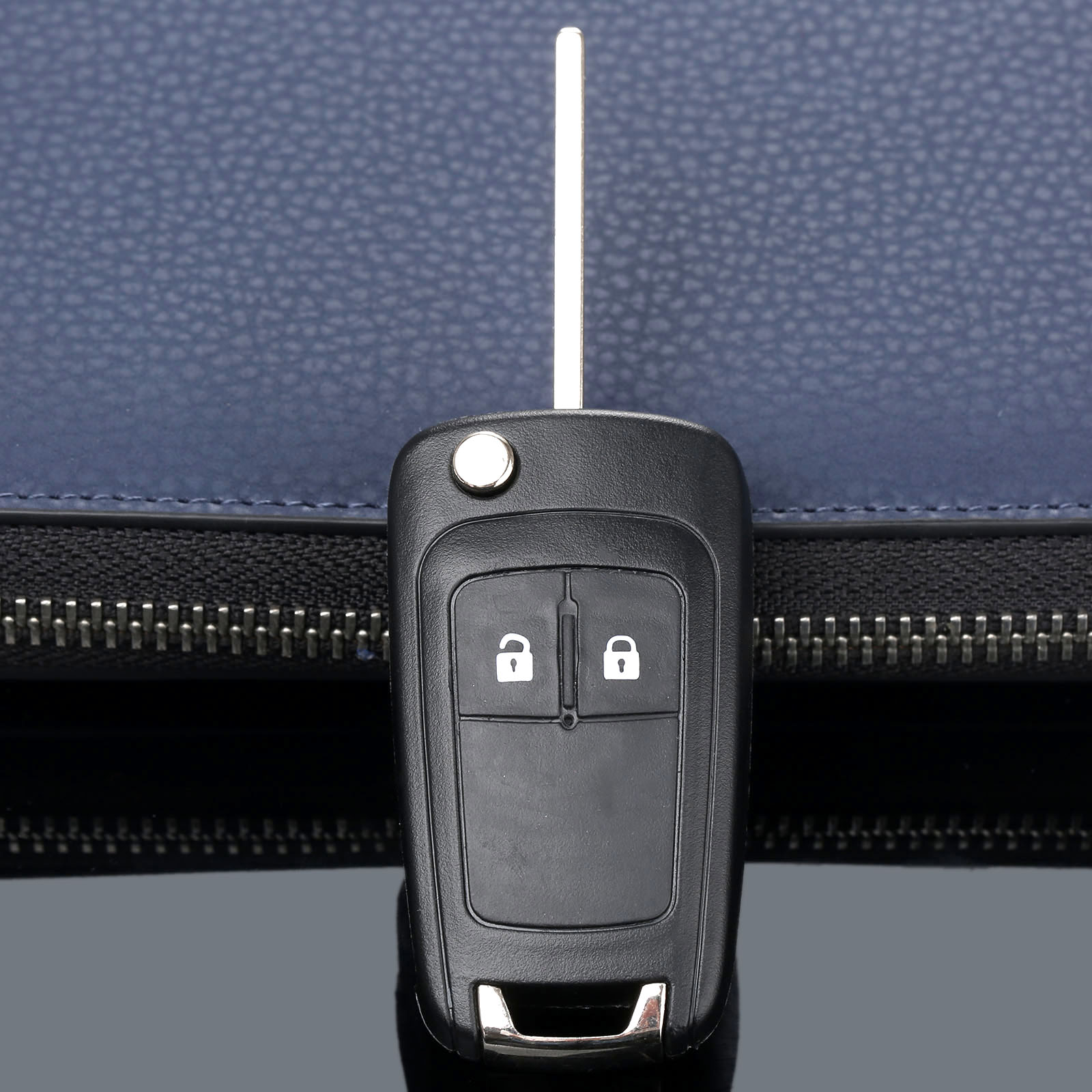 2 кнопки дистанционного Складной флип чехол Fob крышка автомобиля заготовка для ключа зажигания подходит для Chevrolet Camaro Cruze Equinox Malibu Sonic Spark Volt-in Ключ авто from Автомобили и мотоциклы