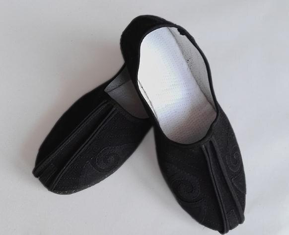 Classic Daoist Monk Shoes 4
