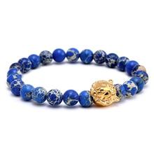 Chapado en oro de acero titanium de la cabeza del tigre del encanto de los hombres pulsera 8mm emperador azul cuentas de piedra pulsera brazalete de perlas pulsera masculina