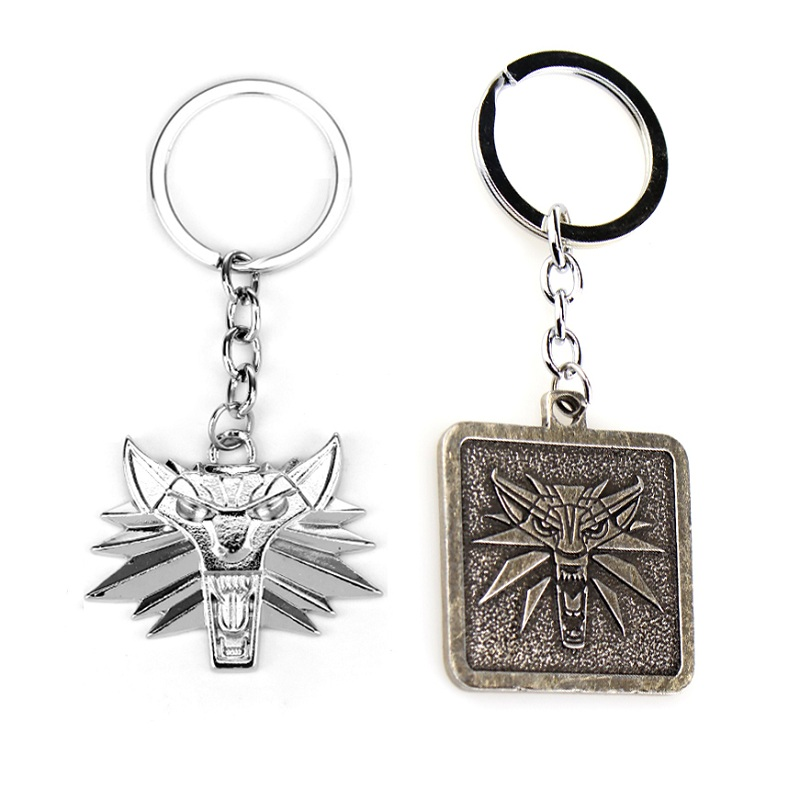 Classic The Witcher 3 Medallion Wild Hunt Keychain Wolf Antique Silver Key Ring Holder Fashion Car Bag Key Chain Game Jewelry