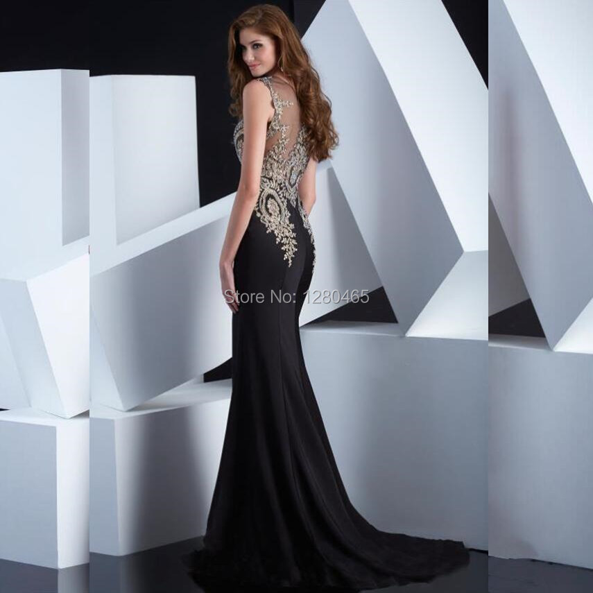 Vestido negro con piedras