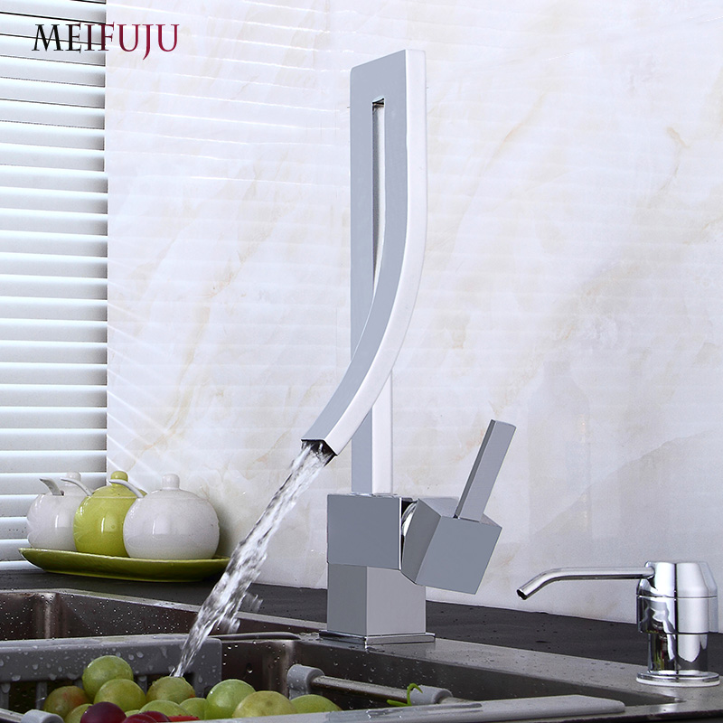 MEIFUJU Kitchen Faucets Black Kitchen Mixer Tap 360 Swivel Kitchen Sink Tap Sink Faucets Chrome Single Handle Hot and Cold Taps ulgksd kitchen faucets pull out ledsprayer vessel sink faucets 360 swivel cold and hot water kitchen mixer tap