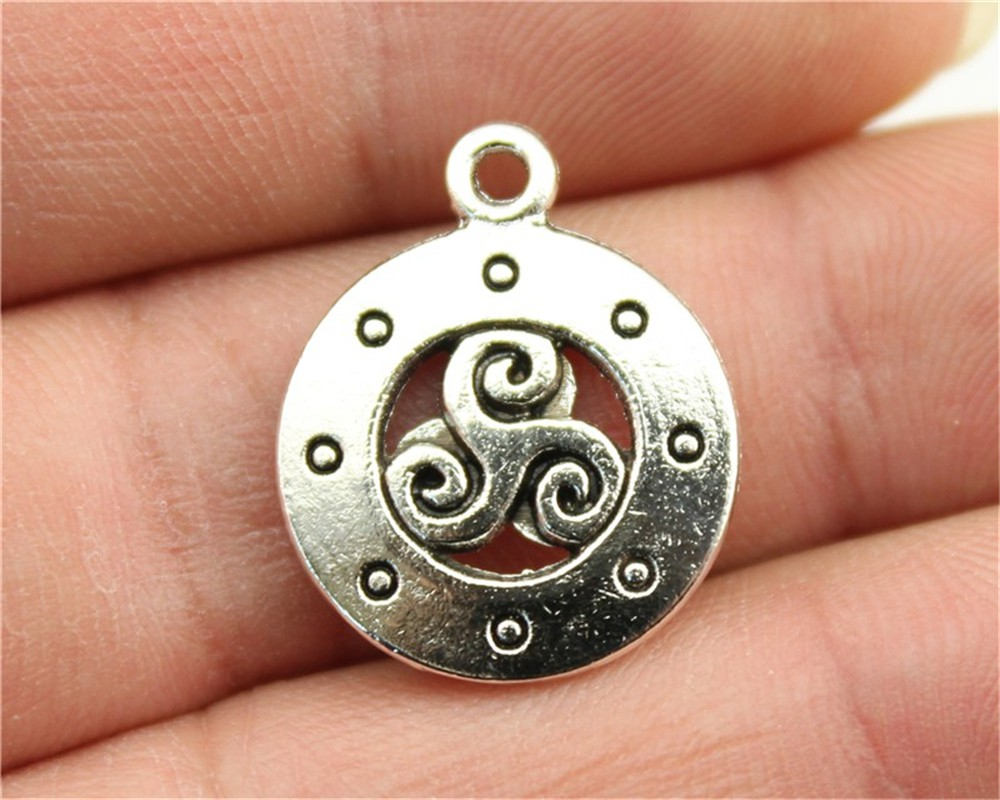 WYSIWYG 4pcs 18mm Fashion 2 Colors Antique Silver, Antique Bronze Color Round Signs West French Symbol Charms