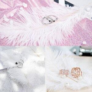 Image 5 - 2 stücke Natürliche Straußen Federn Weiß Rosa Blau Fotografie Zubehör DIY Dekoration für Armband Ring Schmuck Lippenstift Kosmetische