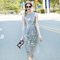 2017 Summer Newest Fashion Runway Knee Length Dress Women S Elegant Sleeveless Mesh Floral Embroidery Pleated