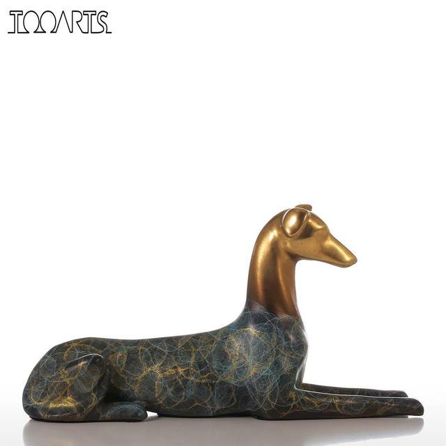 sculpture moderne de chien