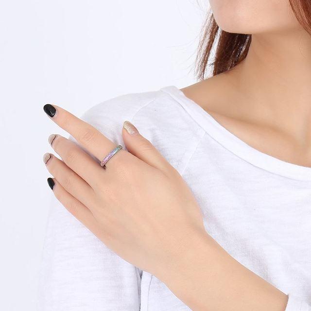 модные блестящие полированные цветные кольца из нержавеющей фотография