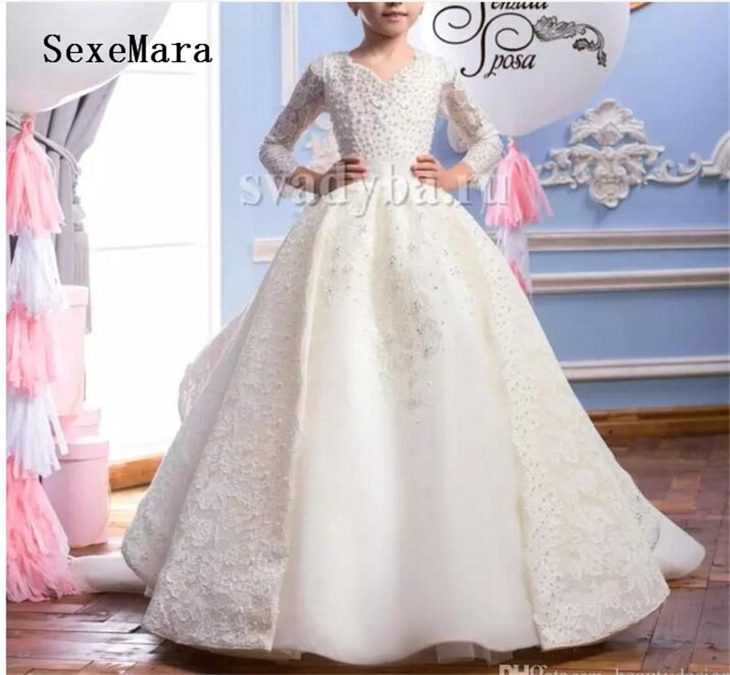 Vintage White Ivory Girls First Communion Dress Lace Pearls V Neck Three Quarter Long Sleeves Ball Gown Flower Girl Dresses