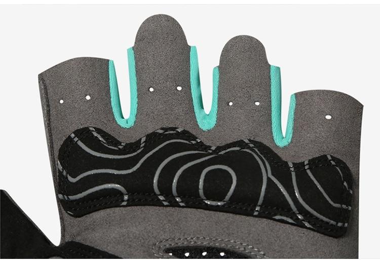Gloves3_13