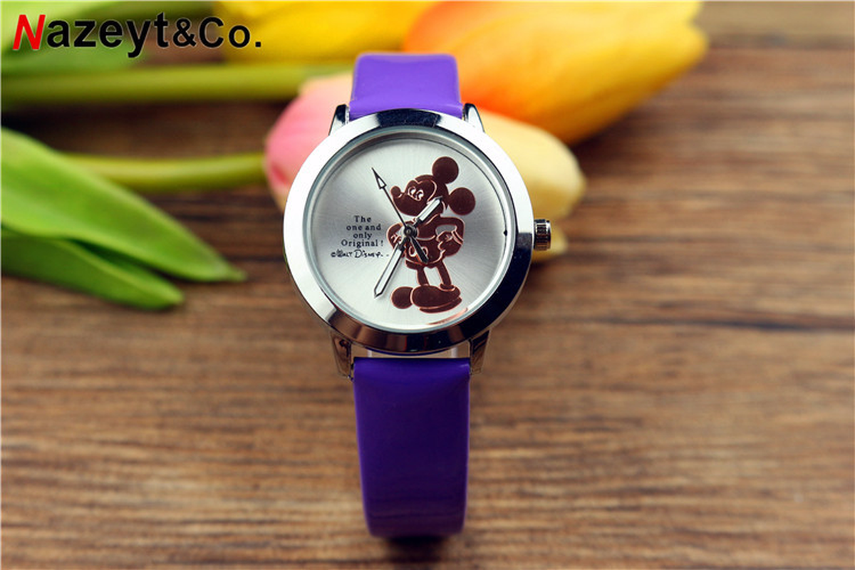 2019 New 3D Mickey Mouse Belt Children's Watch Student Cartoon Luminous Quartz Wrist Watch Mickey Mouse Women