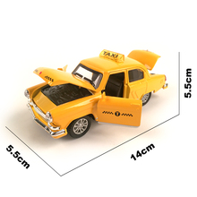 Diecast Car Volga GAZ-21 1:32 Scale Vintage Classics Alloy Car Model Vehicle Collectible Toy  Pull Back Car with Sound and Light
