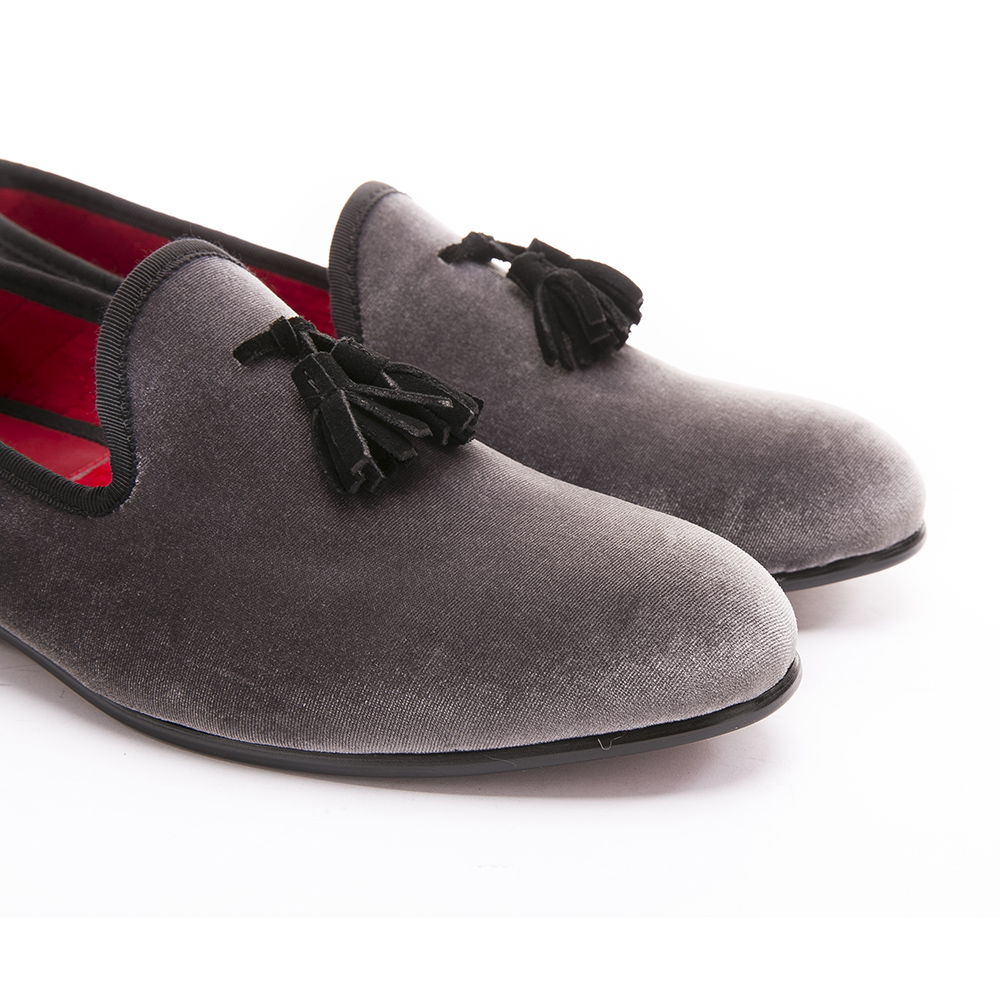 2017 Nouveau style main Mocassins velours gris Hommes Chaussures avec Tassel Black Suede Shoes Fashion Party Dress Flats hommes
