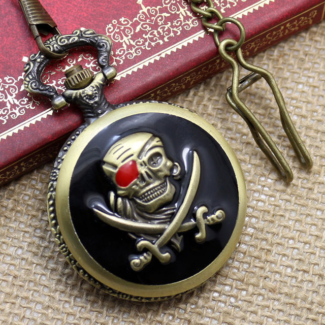 Retro Pocket Watches Vintage Pirates Skull in One Piece Steampunk Pocket-Watch P