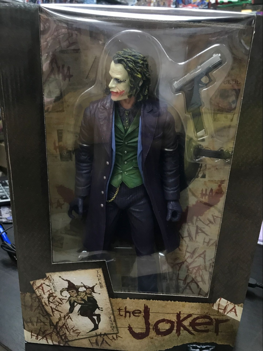 NECA The Joker Batman PVC Action Figure Collectible Model Toy Brinquedos12inch 30cm batman the joker playing poker ver pvc action figure collectible model toy 19cm