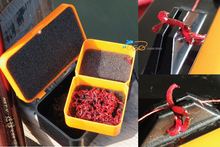 1Pcs Small Size 2 Layers Red Earth Worm Box Lugworm Storage Air Ventilat Moisture retaining Live Bait Fishing Carp Saltwater