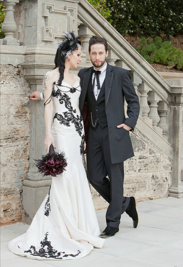 Robe de mariage Blanco y Negro Gótico Del Cordón Del Vestido de noche 2016 Applique del