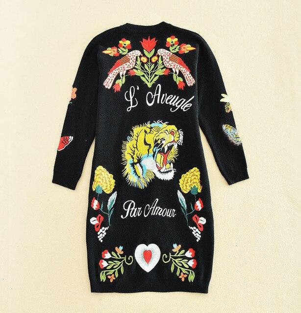 Новое прибытие 2016 осень зима мода женщины бабочка животных тигр вышивка трикотажные жемчуг кнопки кардиган свитер черный