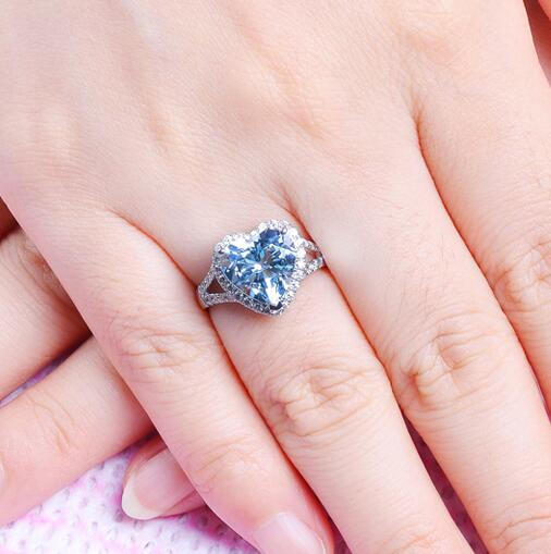 luxury white gold heart shape cut cz diamond cluster ring Pure