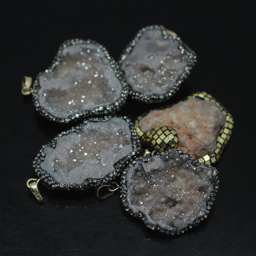 5PCS Natural gray Titanium Druzy Quartz Nuggets Pendant,Drusy Geode Paved Rhinestones with Gold Foil chip freeform Slab Pendant