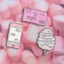 Rosa Cartoon Sammlung Baumwolle Süßigkeiten Süßer Als Sie Freies Kuss Ticket Nachricht Abzeichen Emaille Broschen Revers Pins Geschenk Für Liebhaber