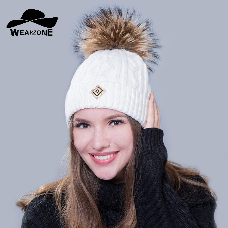 2017 New Winter Thickening Skullies Beanies real raccoon fox fur Hat pompom Cap Women knitted casual cap solid colors gorros cap skullies