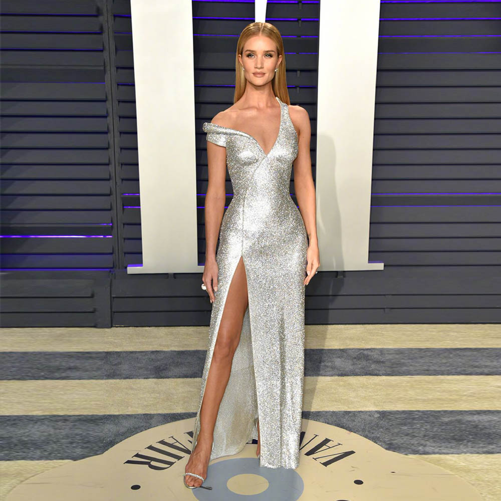 2019 Fashion Celebrity-Inspired Dresses Red Carpet Dress Silver Sequins Evening Gown Right Slit(China)