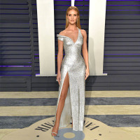 2019 Fashion Celebrity Inspired Dresses Red Carpet Dress Silver Sequins Evening Gown Right Slit