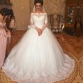 Vintage Ball Gown Arabic Bride Dresses Beautiful Design Boat Neck Applique Wedding Dress with Long Sleeves gelinlik