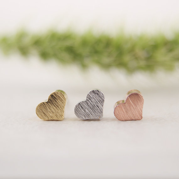 2016 New Fashion Tiny Cute Little Heart Silver Stud Earrings for Women Girls Gifts Simple Elegant Party Earring ED017