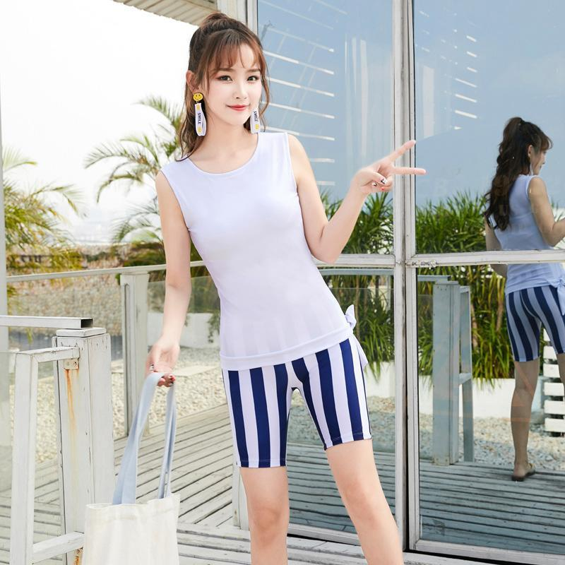 Sleeveless Swimsuit For Women Large Size Striped Swimwear Two Piece Swimming Suit White Tops With Swim Shorts Beachwear M-4XL